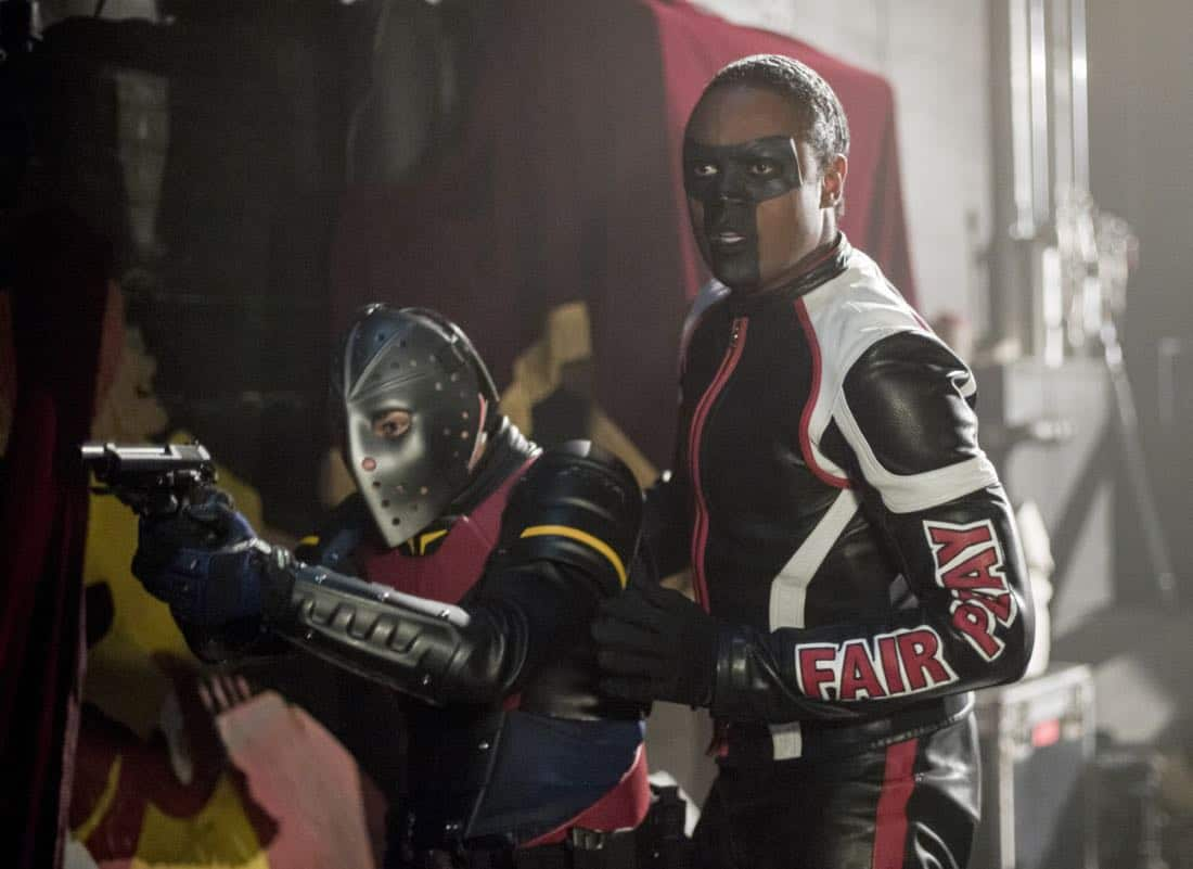 """Arrow -- """"The Devil's Greatest Trick"""" -- Image Number: AR613b_0189.jpg -- Pictured (L-R): Rick Gonzalez as Rene Ramirez/Wild Dog and Echo Kellum as Curtis Holt/Mr.Terrific -- Photo: Diyah Pera/The CW -- © 2018 The CW Network, LLC. All Rights reserved."""
