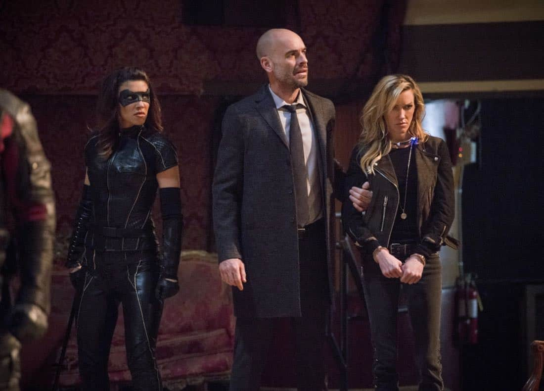 "Arrow -- ""The Devil's Greatest Trick"" -- Image Number: AR613a_0035.jpg -- Pictured (L-R): Juliana Harkavy as Dinah Drake/Black Canary, Paul Blackthorne as Quentin Lance and Katie Cassidy as Laurel/Black Siren -- Photo: Diyah Pera/The CW -- © 2018 The CW Network, LLC. All Rights reserved."