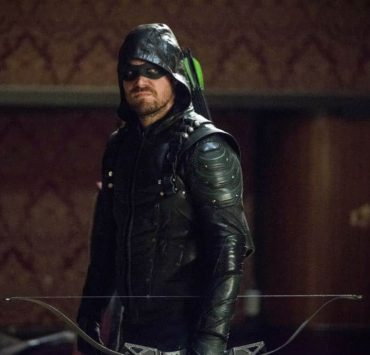 "Arrow -- ""The Devil's Greatest Trick"" -- Image Number: AR613a_0182.jpg -- Pictured: Stephen Amell as Oliver Queen/Green Arrow -- Photo: Diyah Pera/The CW -- © 2018 The CW Network, LLC. All Rights reserved."