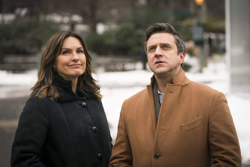 """LAW & ORDER: SPECIAL VICTIMS UNIT -- """"The Undiscovered Country"""" Episode 1913 -- Pictured: (l-r) Mariska Hargitay as Lieutenant Olivia Benson, Raul Esparza as A.D.A. Rafael Barba -- (Photo by: Michael Parmelee/NBC)"""