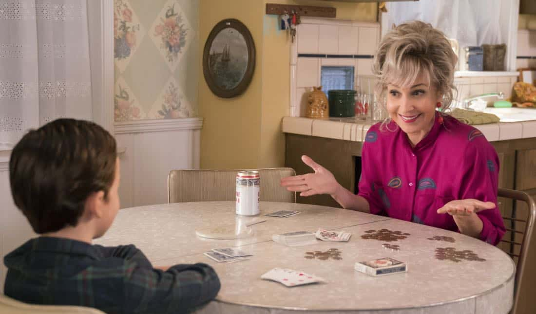 """""""Poker, Faith, and Eggs""""-- Pictured: Meemaw (Annie Potts). When George Sr. is rushed to the emergency room, Meemaw (Annie Potts) comes to babysit, and the kids have an adventure getting to the hospital on their own, when YOUNG SHELDON airs, Thursday Nov. 9 (8:31-9:01 PM, ET/PT) on the CBS Television Network. Photo: Michael Desmond/Warner Bros. Entertainment Inc. © 2017 WBEI. All rights reserved."""