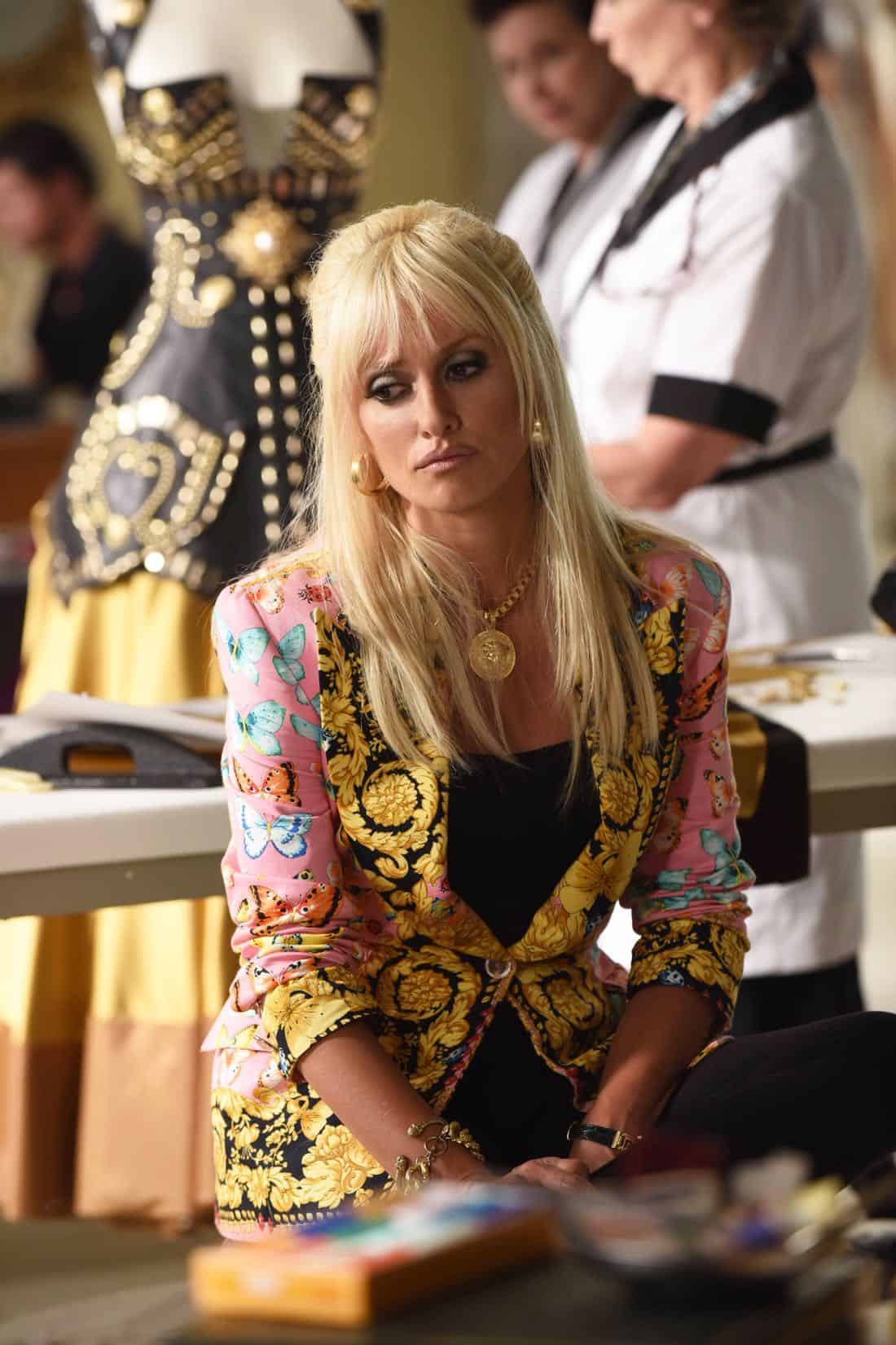 "THE ASSASSINATION OF GIANNI VERSACE: AMERICAN CRIME STORY ""Don't Ask Don't Tell"" Episode 5 (Airs Wednesday, February 14, 10:00 p.m. e/p) -- Pictured: Penelope Cruz as Donatella Versace. CR: Ray Mickshaw/FX"