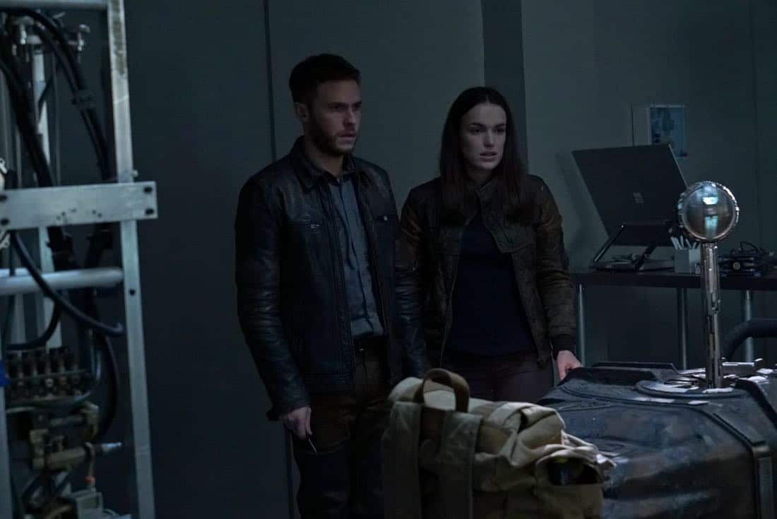"""MARVEL'S AGENTS OF S.H.I.E.L.D. - """"All the Comforts of Home"""" - Coulson and team set out to rewrite the course of humanity's fate, but they're unaware that their efforts will dramatically change one S.H.I.E.L.D agent's life, on """"Marvel's Agents of S.H.I.E.L.D.,"""" FRIDAY, MARCH 2 (9:01-10:01 p.m. EST), on The ABC Television Network. (ABC/Byron Cohen) IAIN DE CAESTECKER, ELIZABETH HENSTRIDGE"""