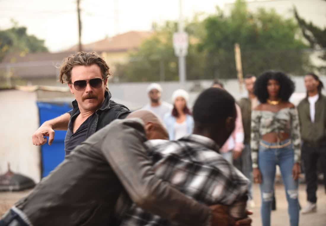 """LETHAL WEAPON: Clayne Crawford (L) in the """"Ruthless"""" episode of LETHAL WEAPON airing Tuesday, Feb. 27 (8:00-9:00 PM ET/PT) on FOX. ©2018 Fox Broadcasting Co. CR: Ray Mickshaw/FOX"""
