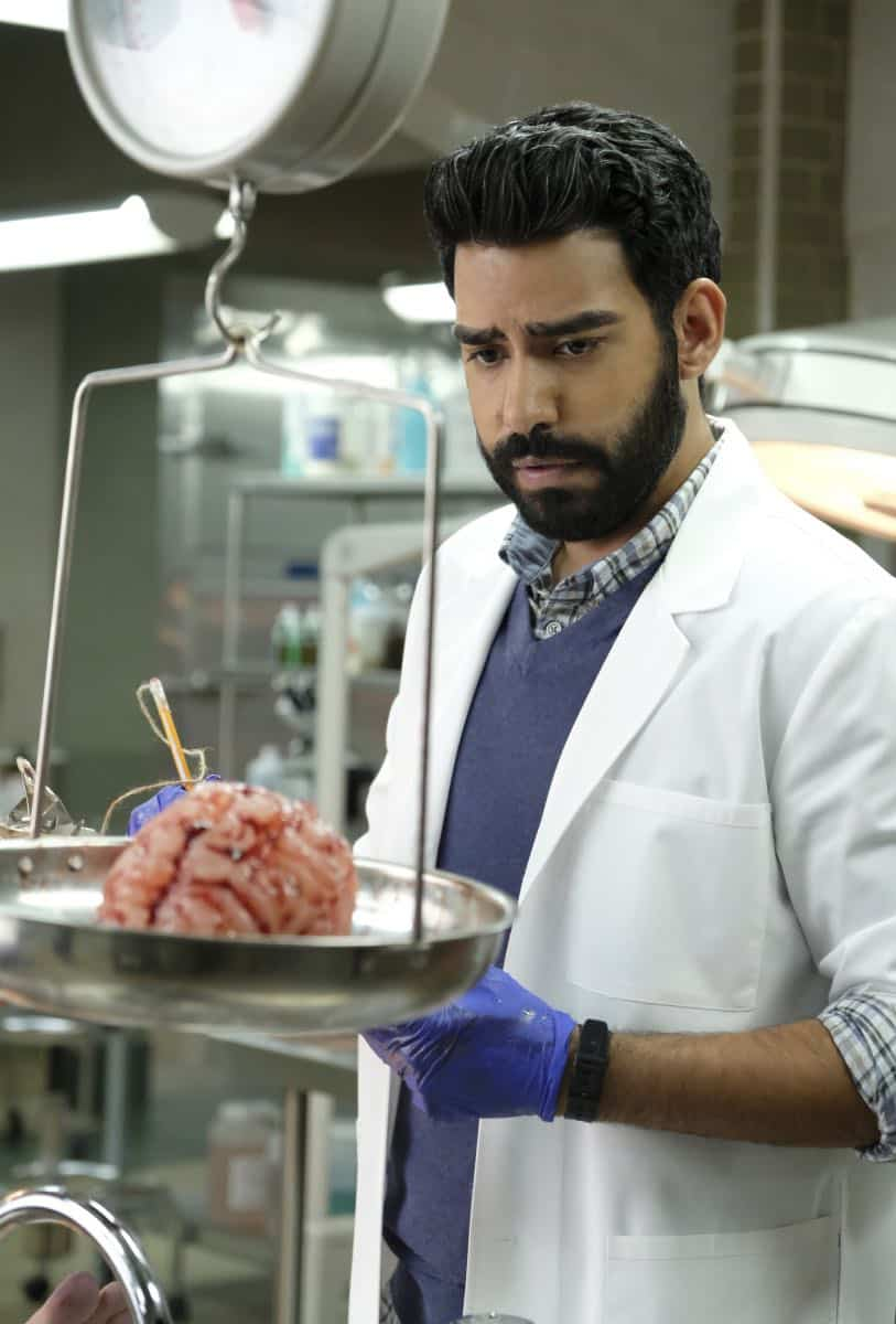 """iZombie -- """"Are You Ready For Some Zombies?"""" -- Image Number: ZMB401a_0037.jpg -- Pictured: Rahul Kohli as Ravi -- Photo: Bettina Strauss/The CW -- © 2018 The CW Network, LLC. All rights reserved."""