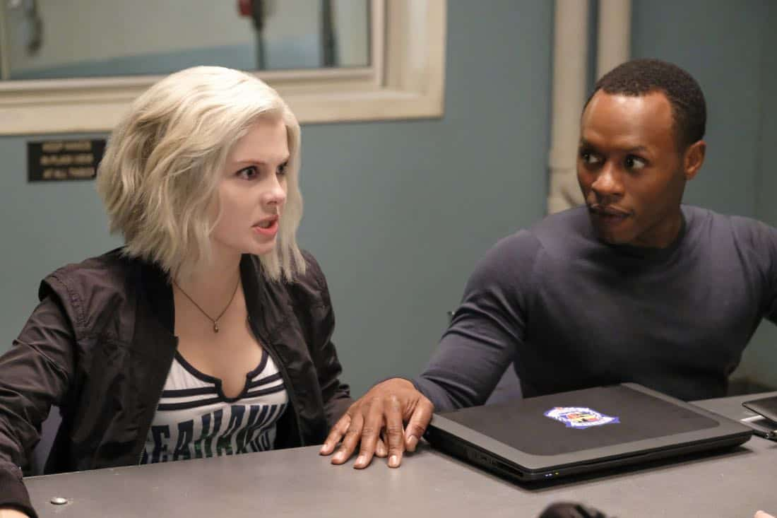 """iZombie -- """"Are You Ready For Some Zombies?"""" -- Image Number: ZMB401a_0192.jpg -- Pictured (L-R): Rose McIver as Liv and Malcolm Goodwin as Clive -- Photo: Bettina Strauss/The CW -- © 2018 The CW Network, LLC. All rights reserved."""