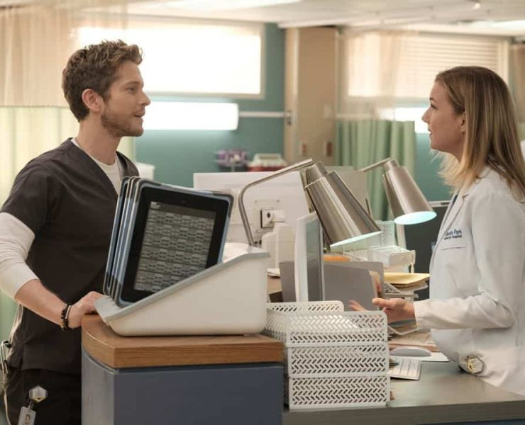 "THE RESIDENT: L-R: Matt Czuchry and Emily VanCamp in the ""No Matter The Cost"" episode of THE RESIDENT airing Monday, March 5 (9:00-10:00 PM ET/PT) on FOX. ©2018 Fox Broadcasting Co. Cr: Guy D'Alema/FOX"