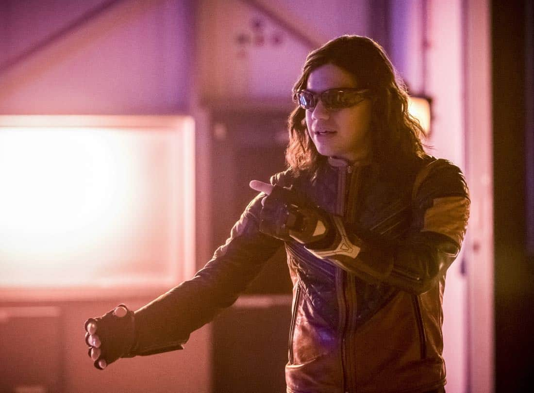 "The Flash -- ""Enter Flashtime"" -- Image Number: FLA415a_0122b.jpg -- Pictured: Carlos Valdes as Cisco Ramon/Vibe -- Photo: Katie Yu/The CW -- © 2018 The CW Network, LLC. All rights reserved"