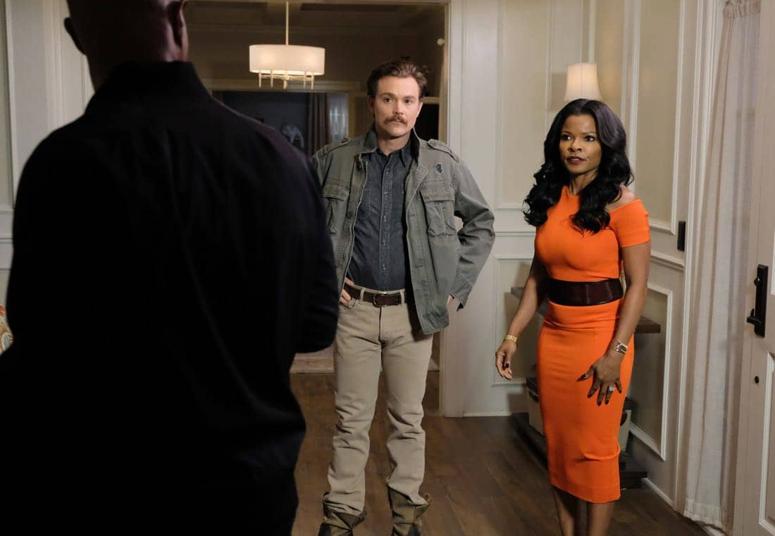 """LETHAL WEAPON: Pictured L-R: Damon Wayans, Clayne Crawford and Keesha Sharp in the """"Odd Couple"""" episode of LETHAL WEAPON airing Tuesday, FEb. 27 (8:00-9:00 PM ET/PT) on FOX. ©2018 Fox Broadcasting Co. CR: Darren Michaels/FOX"""