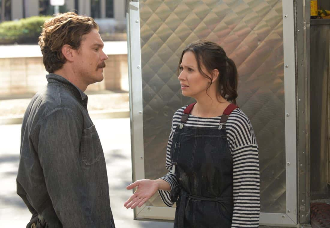"""LETHAL WEAPON: Pictured L-R: Clayne Crawford and guest star NAME in the """" Odd Couple"""" episode of LETHAL WEAPON airing (8:00-9:00 PM ET/PT) on FOX. ©2018 Fox Broadcasting Co. CR: Ray Mickshaw/FOX"""