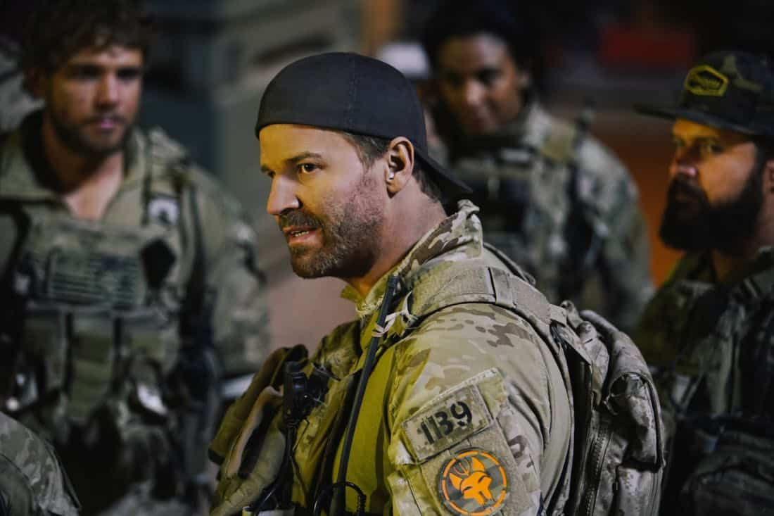 """Call Out"" Jason and the SEAL Team settle into deployment life and get closer to discovering who ambushed Echo Team after Mandy gets a productive lead from an unlikely source on the base, on SEAL TEAM, Wednesday, Feb 28th (9:00-10:00 PM, ET/PT) on the CBS Television Network. Pictured: David Boreanaz as Jason Hayes. Photo: Erik Voake/CBS©2017 CBS Broadcasting, Inc. All Rights Reserved"