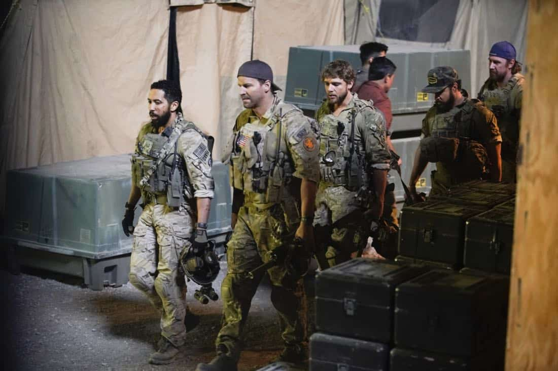 Call Out Ð Jason and the SEAL Team settle into deployment life and get closer to discovering who ambushed Echo Team after Mandy gets a productive lead from an unlikely source on the base, on SEAL TEAM, Wednesday, Feb 28th (9:00-10:00 PM, ET/PT) on the CBS Television Network. Pictured L to R: Neil Brown Jr. as Ray Perry, David Boreanaz as Jason Hayes Max Max Thieriot as Clay Spenser, Aj Buckley as Sonny Quinn, and Tyler Grey as Trent. Photo: Erik Voake/CBS©2017 CBS Broadcasting, Inc. All Rights Reserved