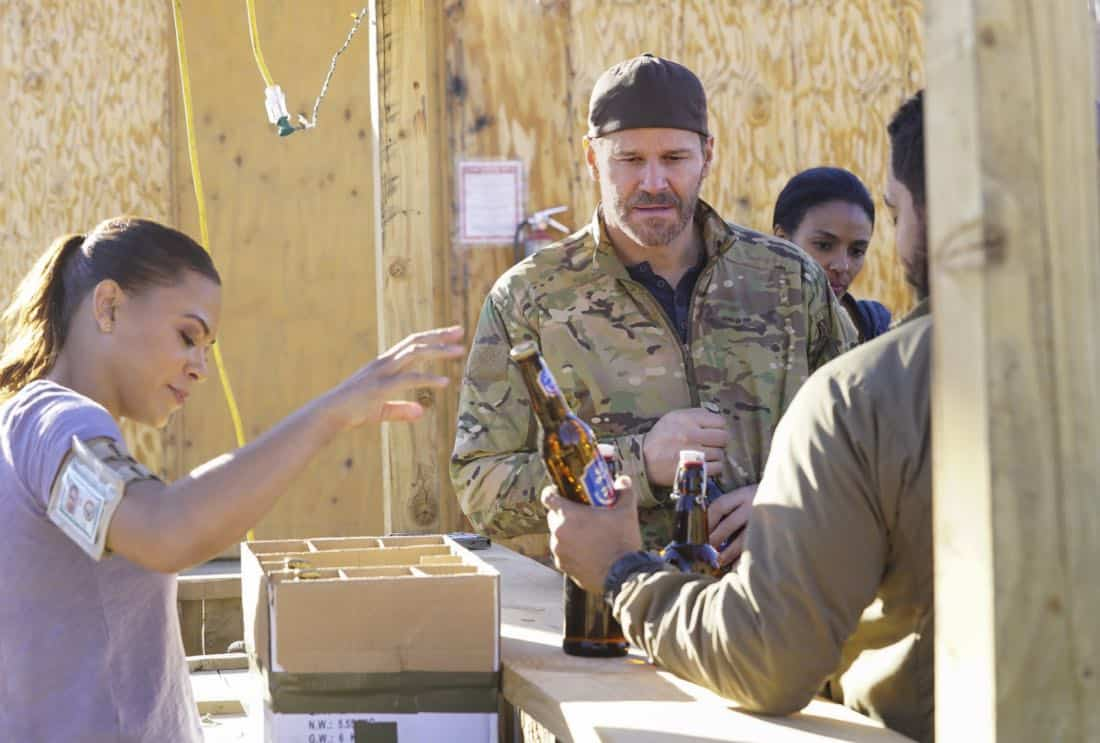 Call Out Ð Jason and the SEAL Team settle into deployment life and get closer to discovering who ambushed Echo Team after Mandy gets a productive lead from an unlikely source on the base, on SEAL TEAM, Wednesday, Feb 28th (9:00-10:00 PM, ET/PT) on the CBS Television Network. Pictured L to R: Toni Trucks as Lisa Davis and David Boreanaz as Jason Hayes. Photo: Sonja Flemming/CBS©2017 CBS Broadcasting, Inc. All Rights Reserved