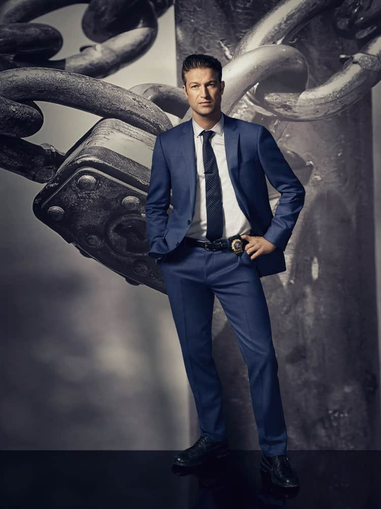 """LAW & ORDER: SPECIAL VICTIMS UNIT -- Season 19 -- Pictured: Peter Scanavino as Dominick """"Sonny"""" Carisi -- (Photo by: Virginia Sherwood/NBC)"""