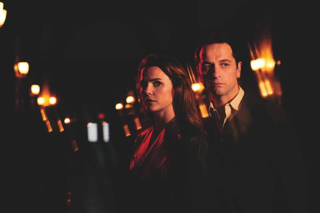 THE AMERICANS -- Pictured: (l-r) Keri Russell as Elizabeth Jennings, Matthew Rhys as Philip Jennings. CR: Pari Dukovic/FX