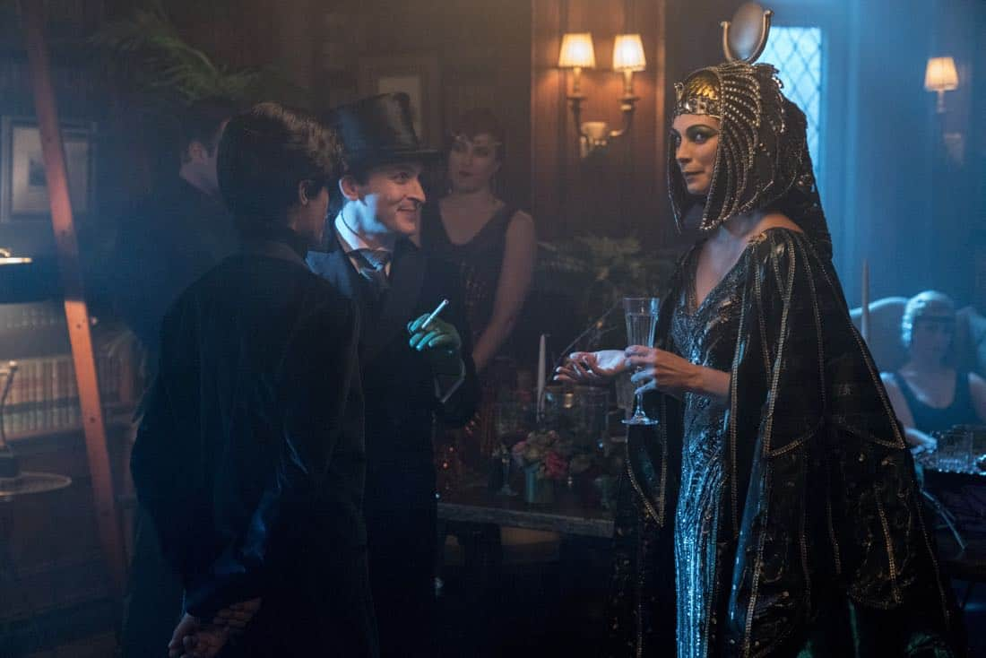 """GOTHAM: L-R: Robin Lord Taylor and Morena Baccarin in the """"A Dark Knight: A Beautiful Darkness"""" episode of GOTHAM airing Thursday, March 8 (8:00-9:00 PM ET/PT) on FOX.  ©2018 Fox Broadcasting Co. Cr: David Giesbrecht/FOX"""
