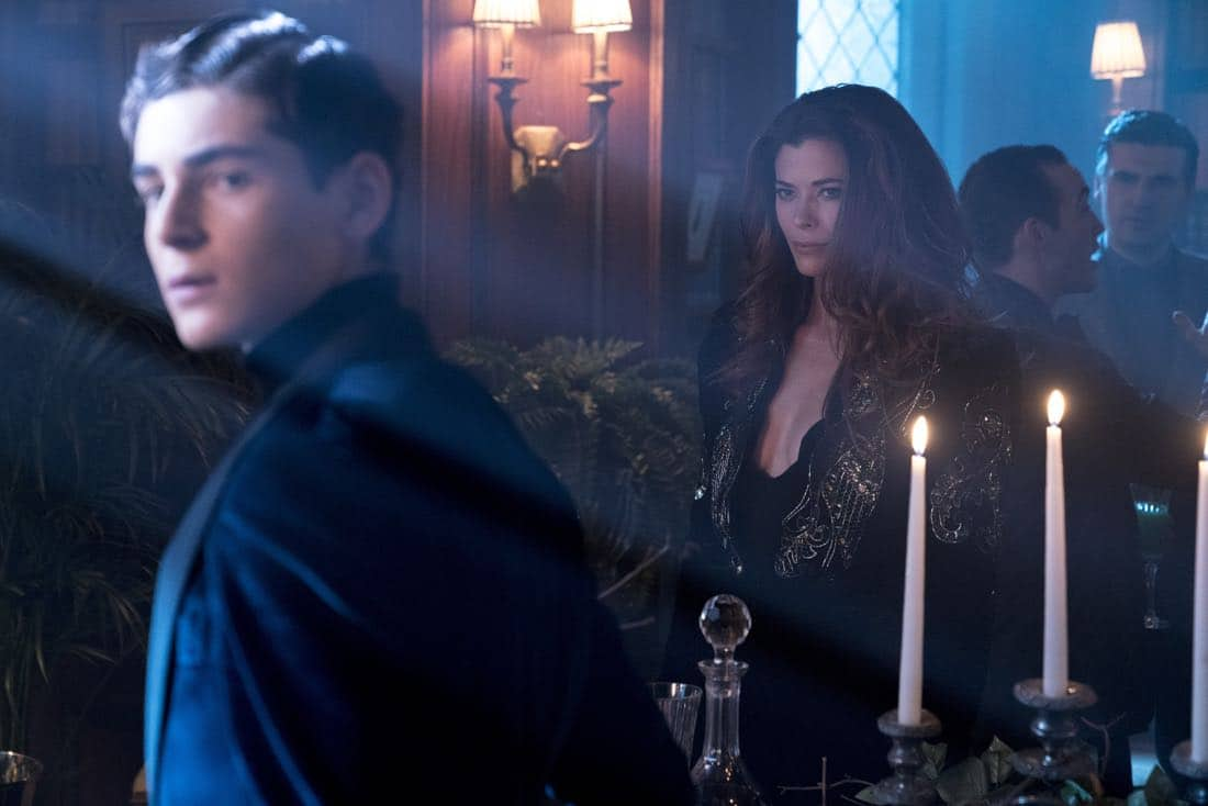 """GOTHAM: L-R: David Mazouz and guest star Peyton List in the """"A Dark Knight: A Beautiful Darkness"""" episode of GOTHAM airing Thursday, March 8 (8:00-9:00 PM ET/PT) on FOX.  ©2018 Fox Broadcasting Co. Cr: David Giesbrecht/FOX"""
