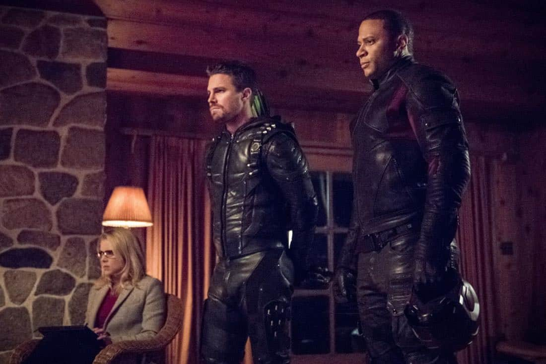"Arrow -- ""Collision Course"" -- Image Number: ARR614a_0079.jpg -- Pictured (L-R): Emily Bett Rickards as Felicity Smoak, Stephen Amell as Oliver Queen/Green Arrow and David Ramsey as John Diggle/Spartan -- Photo: Dean Buscher/The CW -- © 2018 The CW Network, LLC. All rights reserved."