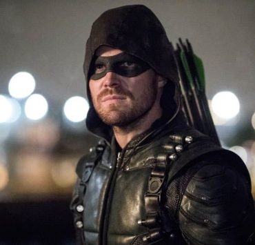 "Arrow -- ""Doppelganger"" -- Image Number: ARR615a_0467.jpg -- Pictured: Stephen Amell as Oliver Queen/Green Arrow -- Photo: Jack Rowand/The CW -- © 2018 The CW Network, LLC. All rights reserved."