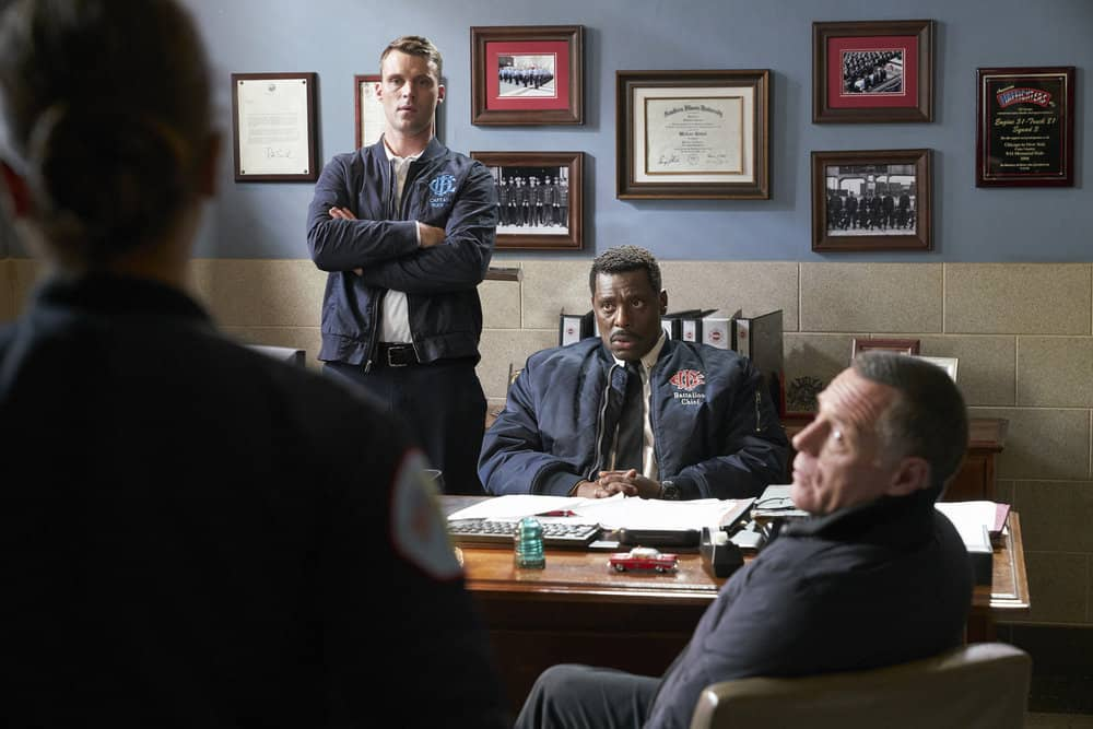 "CHICAGO P.D. -- ""Profiles"" Episode 516 -- Pictured: (l-r) Jesse Spencer as Matthew Casey, Eamonn Walker as Wallace Boden -- (Photo by: Parrish Lewis/NBC)"