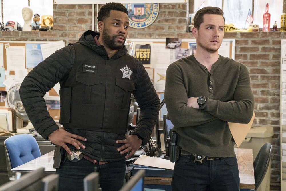 "CHICAGO P.D. -- ""Profiles"" Episode 516 -- Pictured: (l-r) LaRoyce Hawkins as Kevin Atwater, Jesse Lee Soffer as Jay Halstead -- (Photo by: Matt Dinerstein/NBC)"