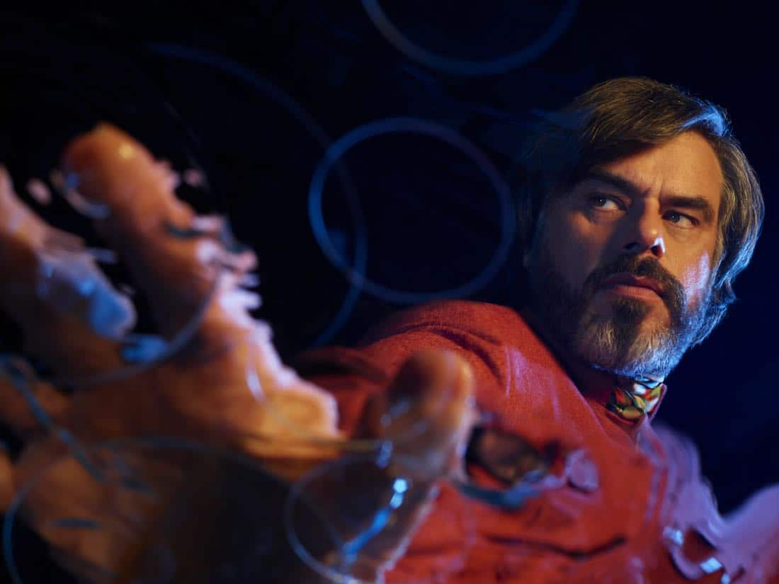 LEGION -- Pictured: Jemaine Clement as Oliver Bird. CR: Matthias Clamer/FX