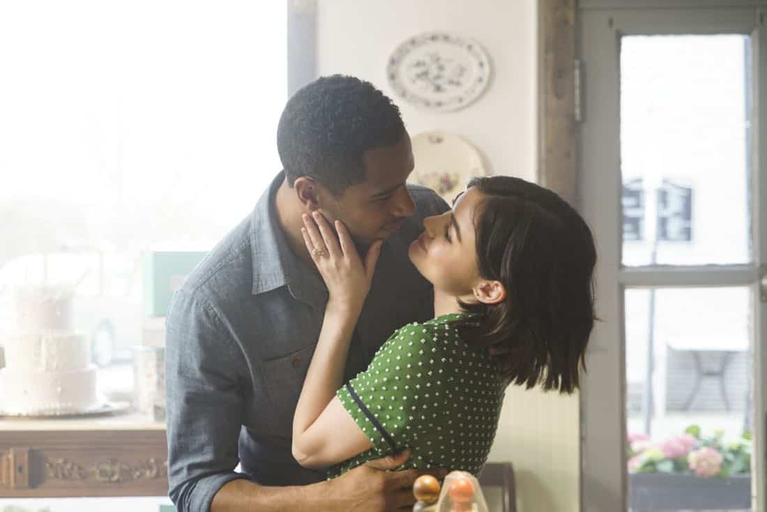"Life Sentence -- ""Pilot"" -- Image Number: LFS101e_0263.jpg -- Pictured (L-R): Elliot Knight as Wes and Lucy Hale as Stella -- Photo: Annette Brown/The CW -- © 2018 The CW Network, LLC. All rights reserved."