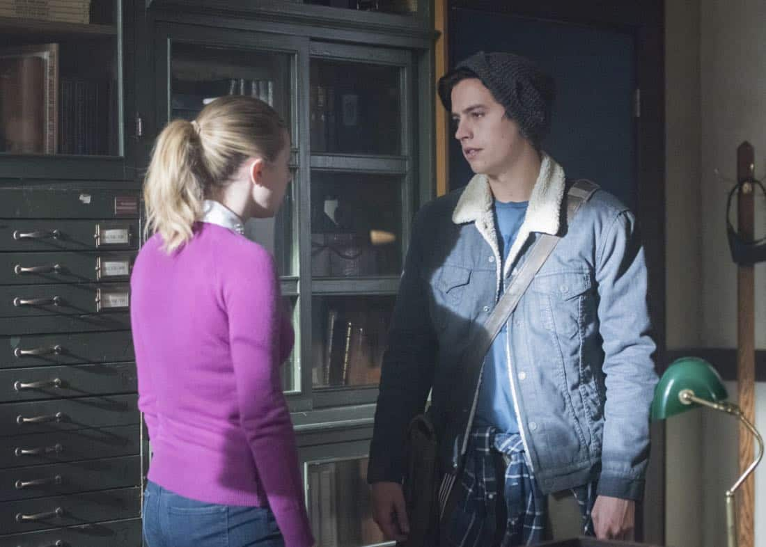 """Riverdale -- """"Chapter Twenty-Seven: The Hills Have Eyes"""" -- Image Number: RVD214a_0423.jpg -- Pictured (L-R): Lili Reinhart as Betty and Cole Spouse as Jughead -- Photo: Dean Buscher/The CW -- © 2018 The CW Network, LLC. All rights reserved."""