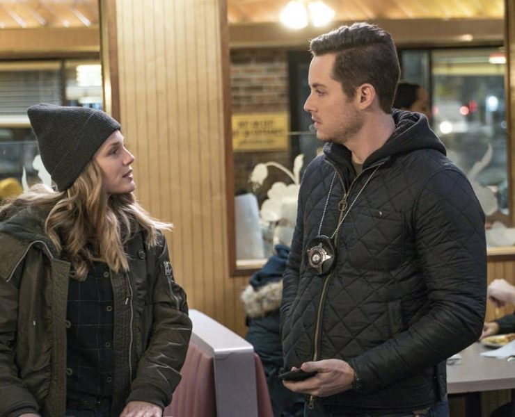 "CHICAGO P.D. -- ""Breaking Point"" Episode 517 -- Pictured: (l-r) Tracy Spiridakos as Hailey Upton, Jesse Lee Soffer as Jay Halstead -- (Photo by: Matt Dinerstein/NBC)"