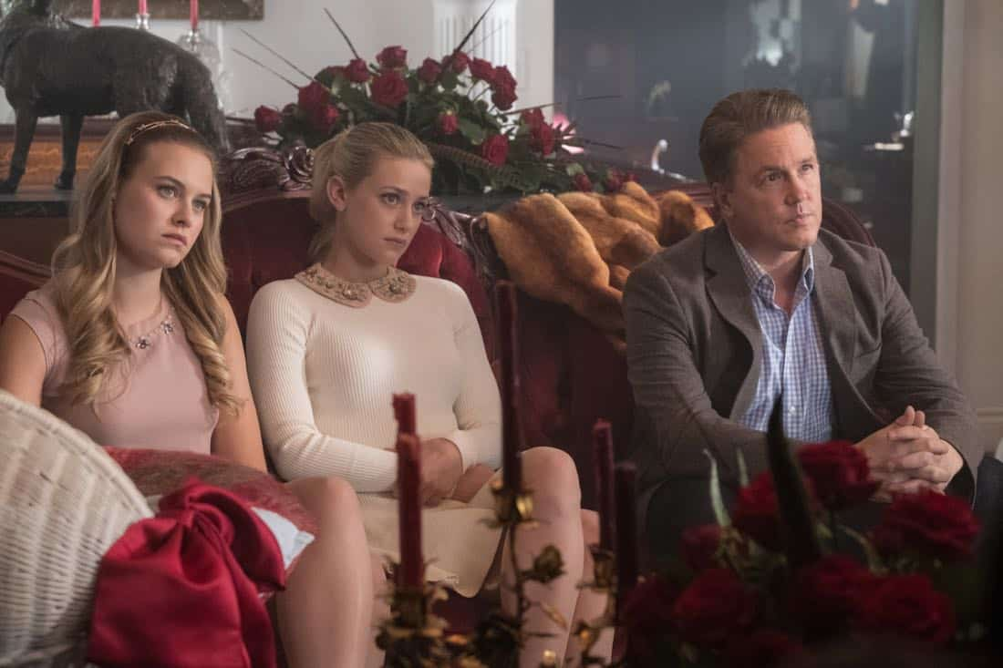"""Riverdale -- """"Chapter Twenty-Eight: There Will Be Blood"""" -- Image Number: RVD215b_0166.jpg -- Pictured (L-R): Tiera Skovbye as Polly, Lili Reinhart as Betty and Lochlyn Munro as Hal -- Photo: Katie Yu/The CW -- © 2018 The CW Network, LLC. All Rights Reserved."""