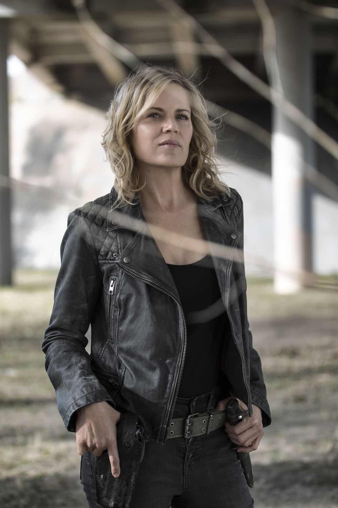 Kim Dickens as Madison Clark- Fear the Walking Dead _ Season 4, Gallery - Photo Credit: Elizabeth Weinberg/AMC