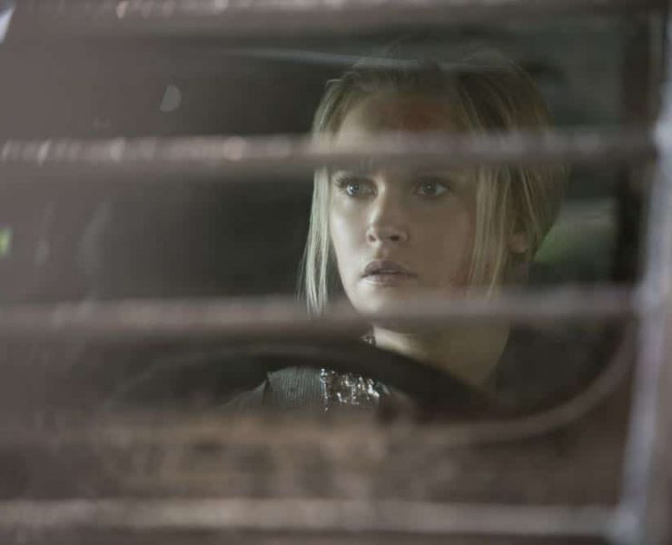 "The 100 -- ""Eden"" -- Image Number: HUN501b_0206.jpg -- Pictured: Eliza Taylor as Clarke -- Photo: Katie Yu/The CW -- © 2018 The CW Network, LLC. All rights reserved."