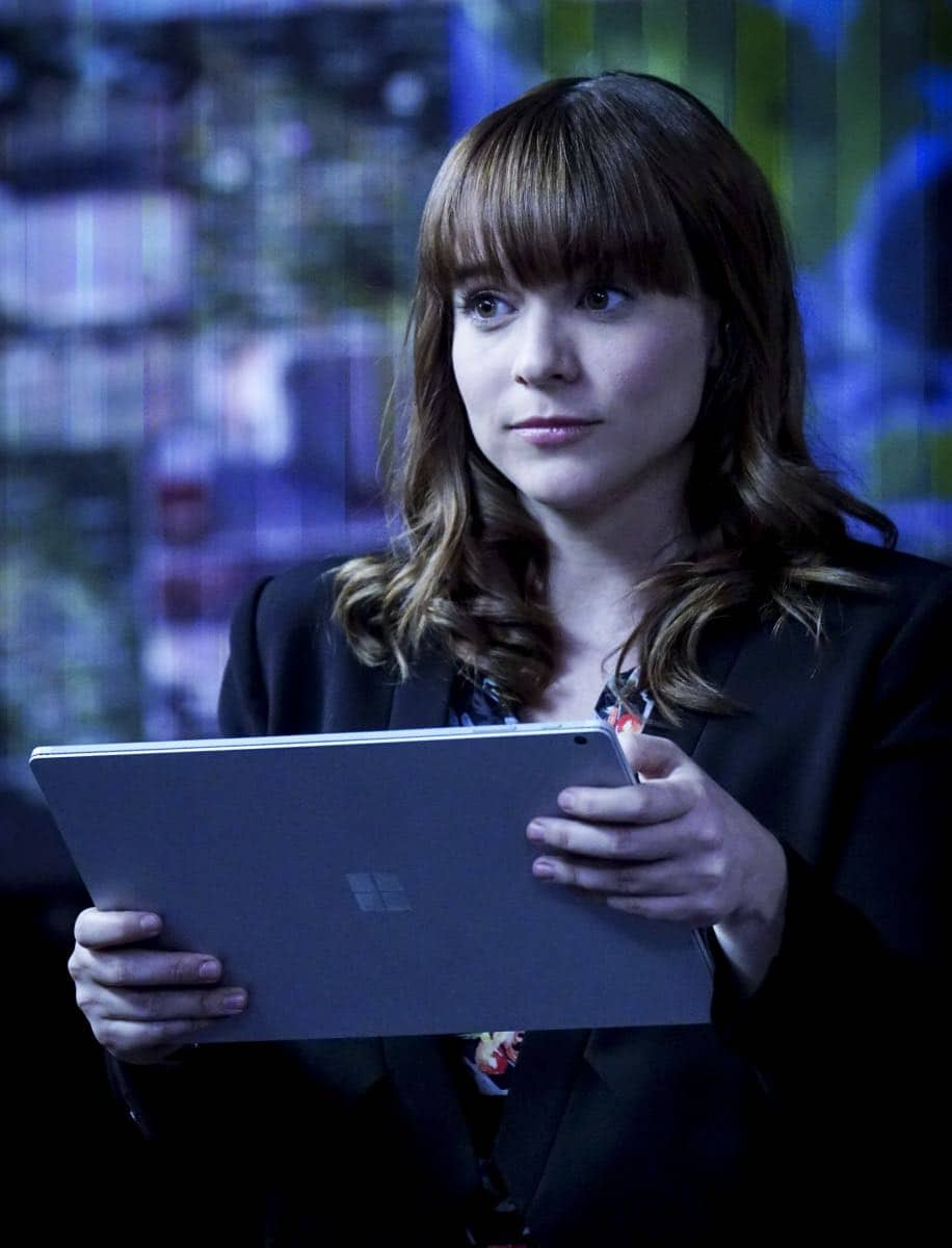 """""""Liabilities"""" - Pictured: RenŽe Felice Smith (Intelligence Analyst Nell Jones). Callen and Sam pull Granger's daughter, former spy Jennifer Kim (Malese Jow), from witness protection to help the team locate an underground spy who has obtained an arsenal of bomb materials, on NCIS: LOS ANGELES, Sunday, March 18 (9:00-10:00 PM, ET/PT) on the CBS Television Network. Photo: Monty Brinton/CBS ©2017 CBS Broadcasting, Inc. All Rights Reserved."""