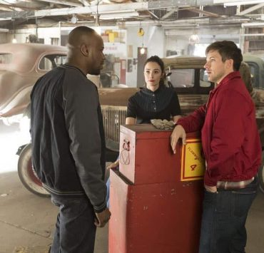"TIMELESS -- ""Darlington"" Episode 202 -- Pictured: (l-r) Malcolm Barrett as Rufus Carlin, Abigail Spencer as Lucy Preston, Matt Lanter as Wyatt Logan -- (Photo by: Justin Lubin/NBC)"