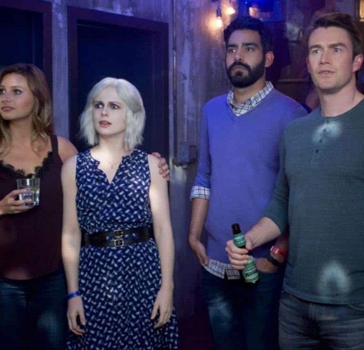 "iZombie -- ""Brainless in Seattle, Part 2"" -- Image Number: ZMB404b_0181.jpg -- Pictured (L-R): Aly Michalka as Peyton, Rose McIver as Liv, Rahul Kohli as Ravi and Robert Buckley as Major -- Photo: Shane Harvey/ The CW -- © 2018 The CW Network, LLC. All rights reserved."