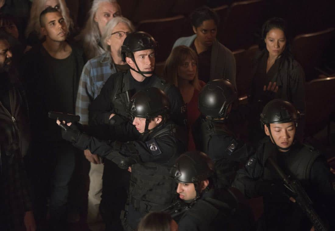 """iZombie -- """"Brainless in Seattle, Part 2"""" -- Image Number: ZMB404a_.jpg -- Pictured: Robert Buckley as Major -- Photo: Ricardo Hubbs/ The CW -- © 2018 The CW Network, LLC. All rights reserved."""