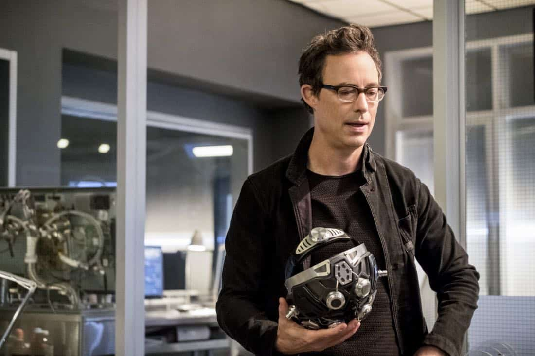 "The Flash -- ""Run, Iris, Run"" -- Image Number: FLA416b_0048b.jpg -- Pictured: Tom Cavanagh as Harrison Wells -- Photo: Katie Yu/The CW -- © 2018 The CW Network, LLC. All rights reserved"