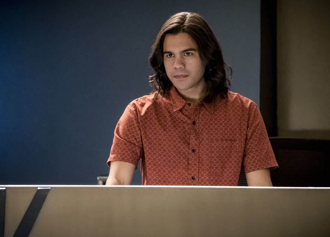 "The Flash -- ""Run, Iris, Run"" -- Image Number: FLA416b_0112b.jpg -- Pictured: Carlos Valdes as Cisco Ramon -- Photo: Katie Yu/The CW -- © 2018 The CW Network, LLC. All rights reserved"