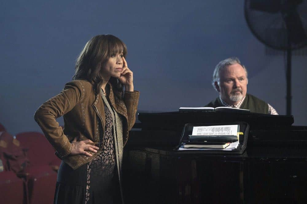 "RISE -- ""Pilot"" Episode 101 -- Pictured: (l-r) Rosie Perez as Tracey Wolfe, Tom Riis Farrell as Mr. Baer -- (Photo by: Peter Kramer/NBC)"