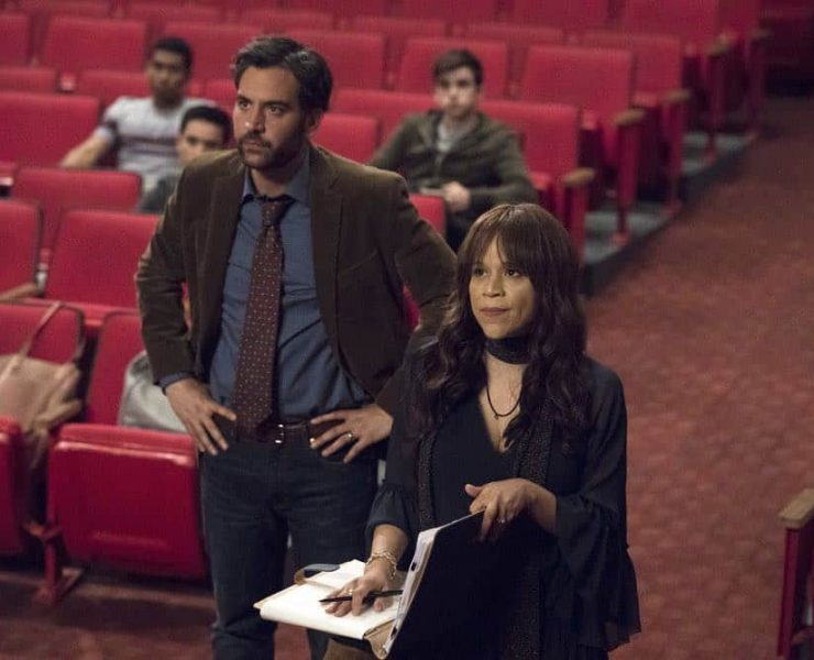 """RISE -- """"Most of All to Dream"""" Episode 102 -- Pictured: (l-r) Josh Radnor as Lou Mazzuchelli, Rosie Perez as Tracey Wolfe -- (Photo by: Virginia Sherwood/NBC)"""