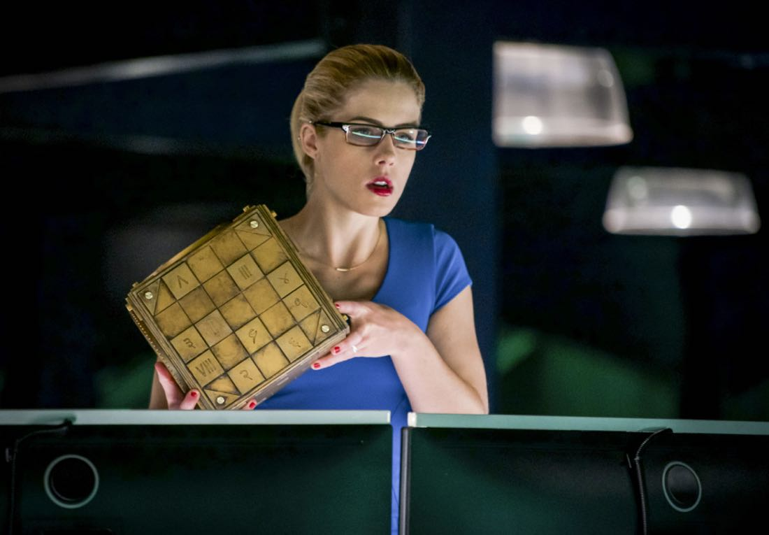 "Arrow -- ""The Thanatos Guild"" -- Image Number: AR616a_0223.jpg -- Pictured: Emily Bett Rickards as Felicity -- Photo: Shane Harvey/The CW -- © 2018 The CW Network, LLC. All rights reserved."