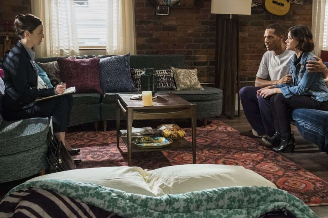 """Life Sentence -- """"Re-Inventing the Abbotts"""" -- Image Number: LFS102a_095b.jpg -- Pictured (L-R): Jennifer Spence as Agent Stern, Elliot Knight as Wes and Lucy Hale as Stella -- Photo: Eric Milner/The CW -- © 2018 The CW Network, LLC. All Rights Reserved."""