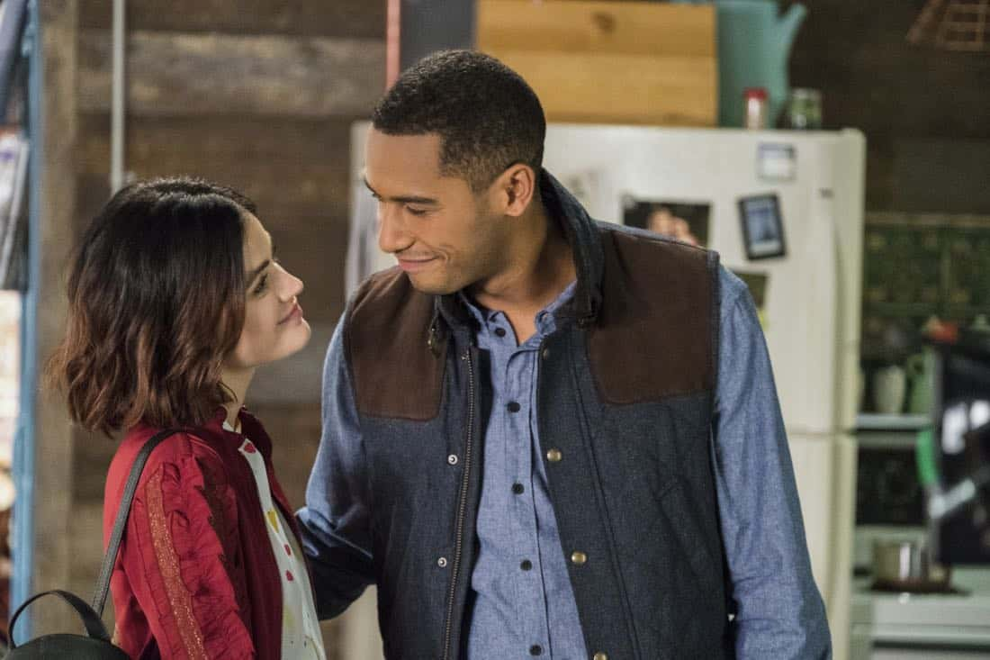 """Life Sentence -- """"Re-Inventing the Abbotts"""" -- Image Number: LFS102a_466b.jpg -- Pictured (L-R): Lucy Hale as Stella and Elliot Knight as Wes -- Photo: Eric Milner/The CW -- © 2018 The CW Network, LLC. All Rights Reserved."""
