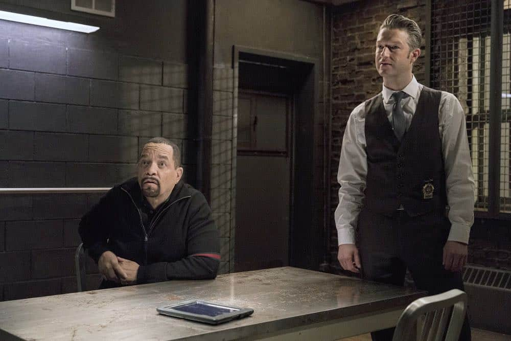 "LAW & ORDER: SPECIAL VICTIMS UNIT -- ""Send in the Clowns"" Episode 1917 -- Pictured: (l-r) Ice T as Odafin ""Fin"" Tutuola. Peter Scanavino as Dominick ""Sonny"" Carisi -- (Photo by: David Giesbrecht/NBC)"