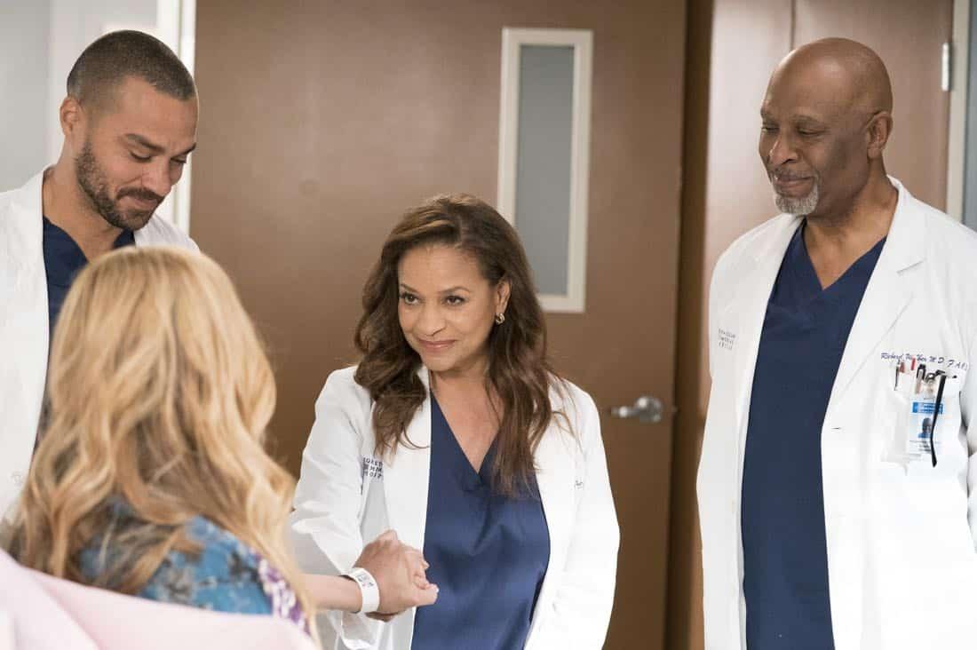 Greys Anatomy Episode 16 Season 14 Caught Somewhere In Time 11