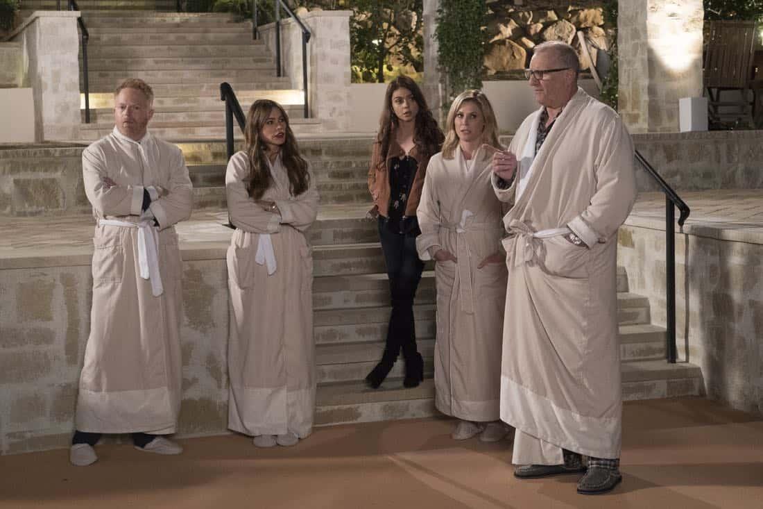 Modern Family Episode 16 Season 9 Wine Weekend 10