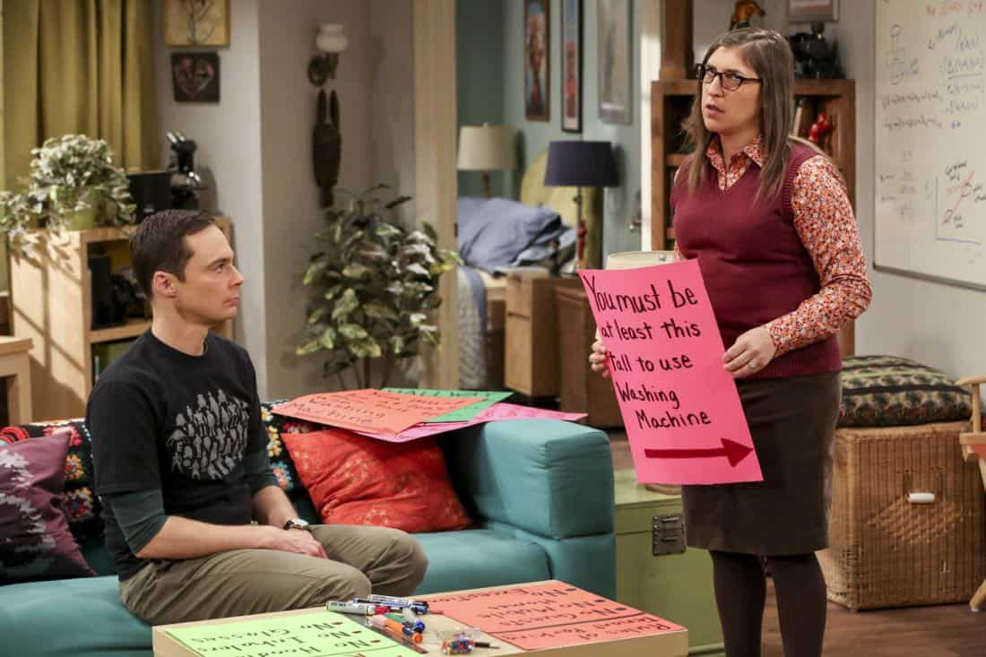 """The Tenant Disassociation"" - Pictured: Sheldon Cooper (Jim Parsons) and Amy Farrah Fowler (Mayim Bialik). When Leonard learns Sheldon is the president of the tenants association, he decides to run against him. Also, Bernadette encourages Wolowitz and Koothrappali to find the owner of a drone after they find it in the backyard, on THE BIG BANG THEORY, Thursday, April 5 (8:00-8:31 PM, ET/PT) on the CBS Television Network. Photo: Michael Yarish/Warner Bros. Entertainment Inc. © 2018 WBEI. All rights reserved."