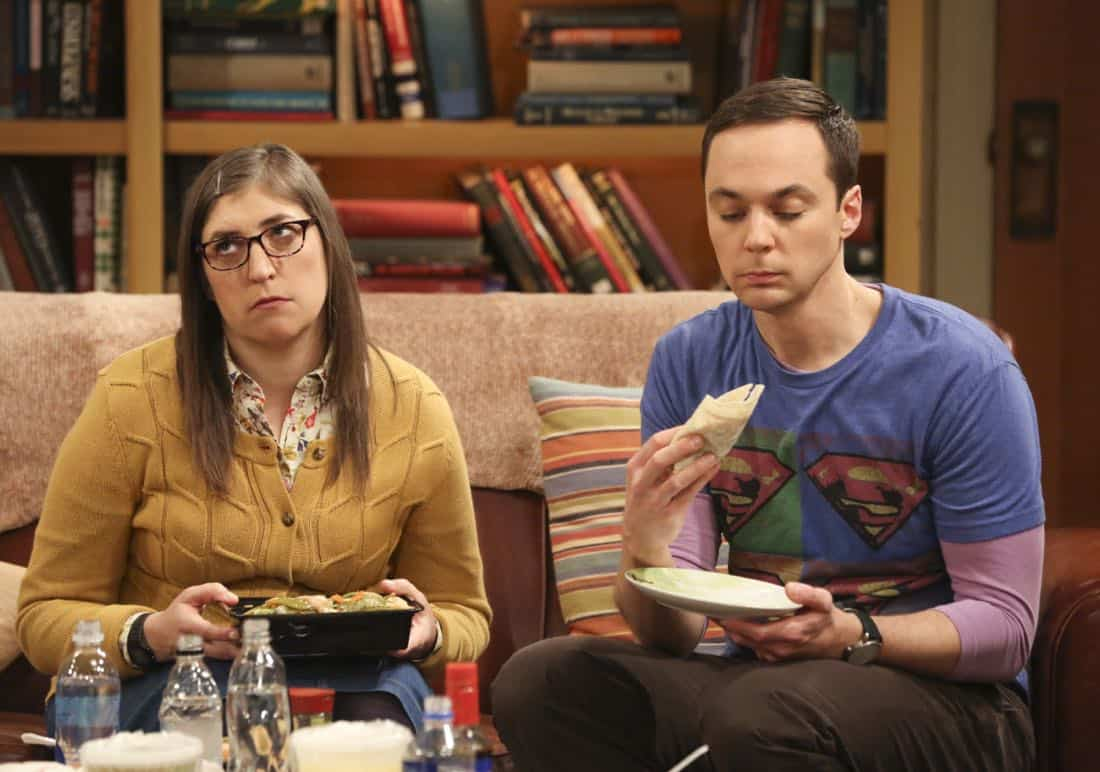 """The Tenant Disassociation"" - Pictured: Amy Farrah Fowler (Mayim Bialik) and Sheldon Cooper (Jim Parsons). When Leonard learns Sheldon is the president of the tenants association, he decides to run against him. Also, Bernadette encourages Wolowitz and Koothrappali to find the owner of a drone after they find it in the backyard, on THE BIG BANG THEORY, Thursday, April 5 (8:00-8:31 PM, ET/PT) on the CBS Television Network. Photo: Michael Yarish/Warner Bros. Entertainment Inc. © 2018 WBEI. All rights reserved."