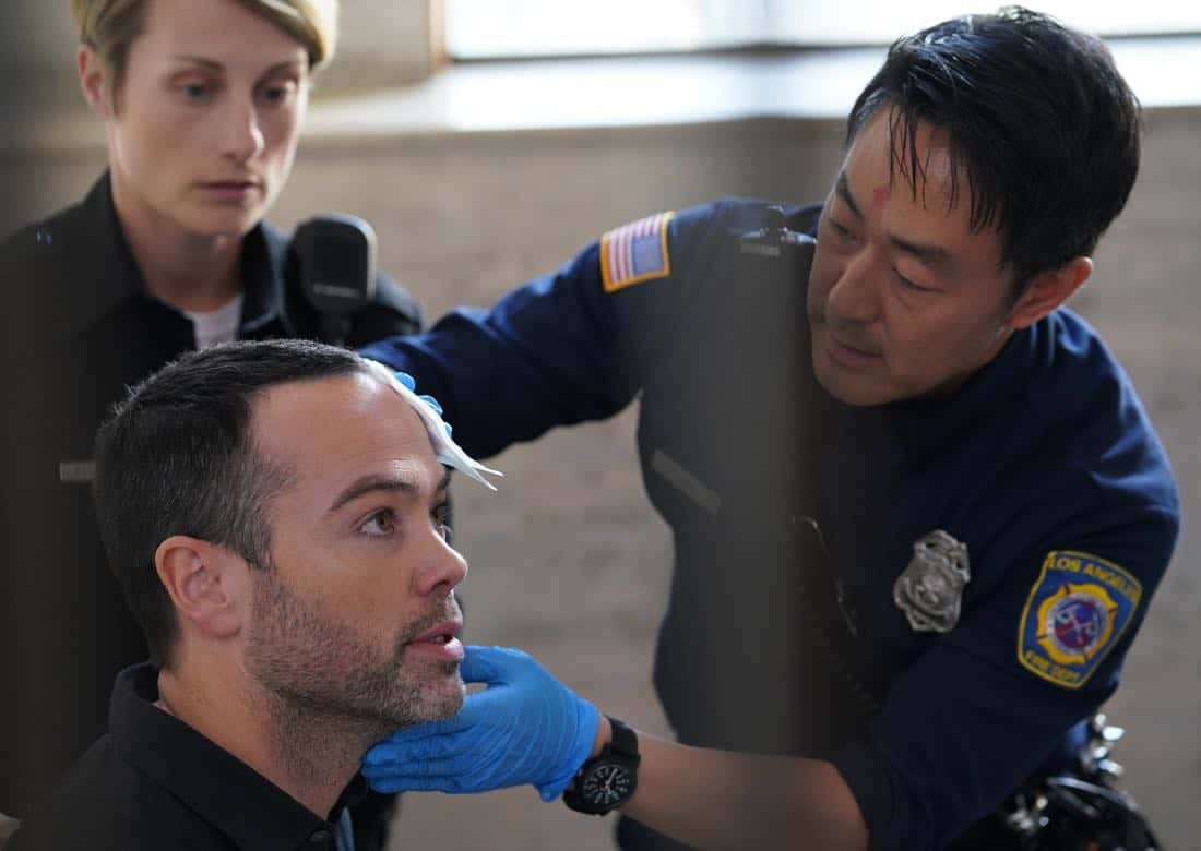 9-1-1: L-R: Guest star John Hensley and Kenneth Choi in the season finale episode of 9-1-1 airs Wednesday, March 21 (9:00-10:00 PM ET/PT) on FOX. CR: Michael Becker / FOX, © 2018 FOX Broadcasting.