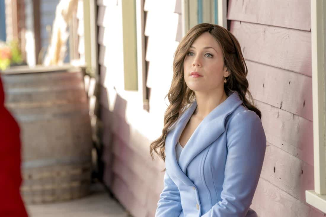 Elizabeth assigns her students to follow business leaders in Hope Valley for a day. Meanwhile, Abigail and the town host two possible investors for the failing bank. Bill's life is disrupted when AJ Foster arrives and turns herself in. Photo: Erin Krakow Credit: Copyright 2018 Crown Media United States LLC/Photographer: Ricardo Hubbs